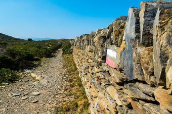 Camí del GR-92. Ruta de Cadaqués a la Muntanya Negra.