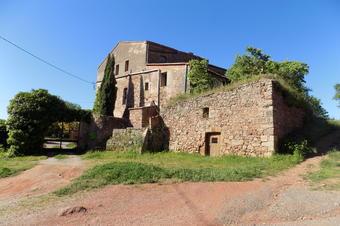 Barraques de vinya de Can Torrella. Vacarisses