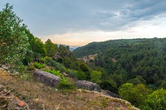 Vistes a Rajadell i muntanyes del Bages. Rajadell