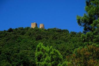 """Vistes al castell de Sant Miquel. Ruta """"Les Mines del Nen Jesús"""". Celrà"""