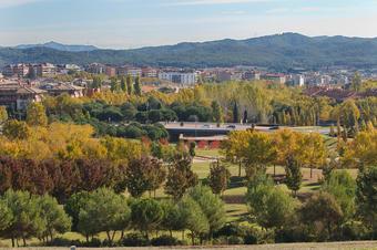Vista al Parc Central des del turó de Can Mates