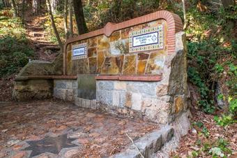 """Ruta """"Dolmen de Ca l'Arenes i Santuari del Corredor"""". Dosrius."""