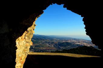 """Vistes a Mataró des de la ruta """"Castell de Burriac des de Torre Ametller"""". Cabrera de Mar."""