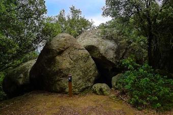Ruta Roques i racons de la Serralada. Cabrils