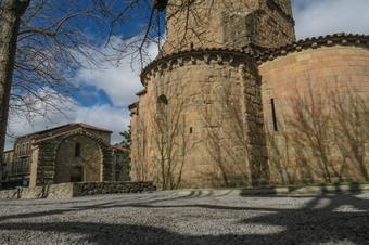 Passeig per la Vila Vella. Sant Joan de les Abadesses.