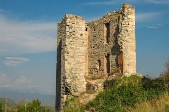 Del castell al cim de la Serra de Miralles. Santa Maria de Miralles.