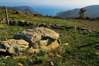 Ruta megalítica i de paisatge III. Roses