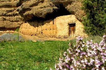 """Ruta """"Roques del Corb i Sant Honorat"""", Peramola."""