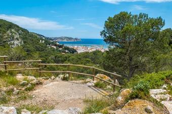 Ruta a cala Montgó. Parc Natural del Montgrí, Illes Medes i el Baix Ter.