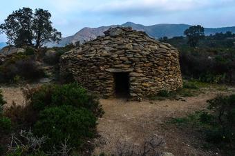 Itinerari megalític i de la pedra seca II. Roses